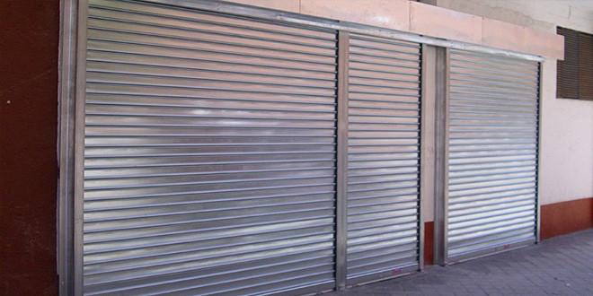 Fabrica de puertas enrollables y persianas metalicas de for Puertas venecianas